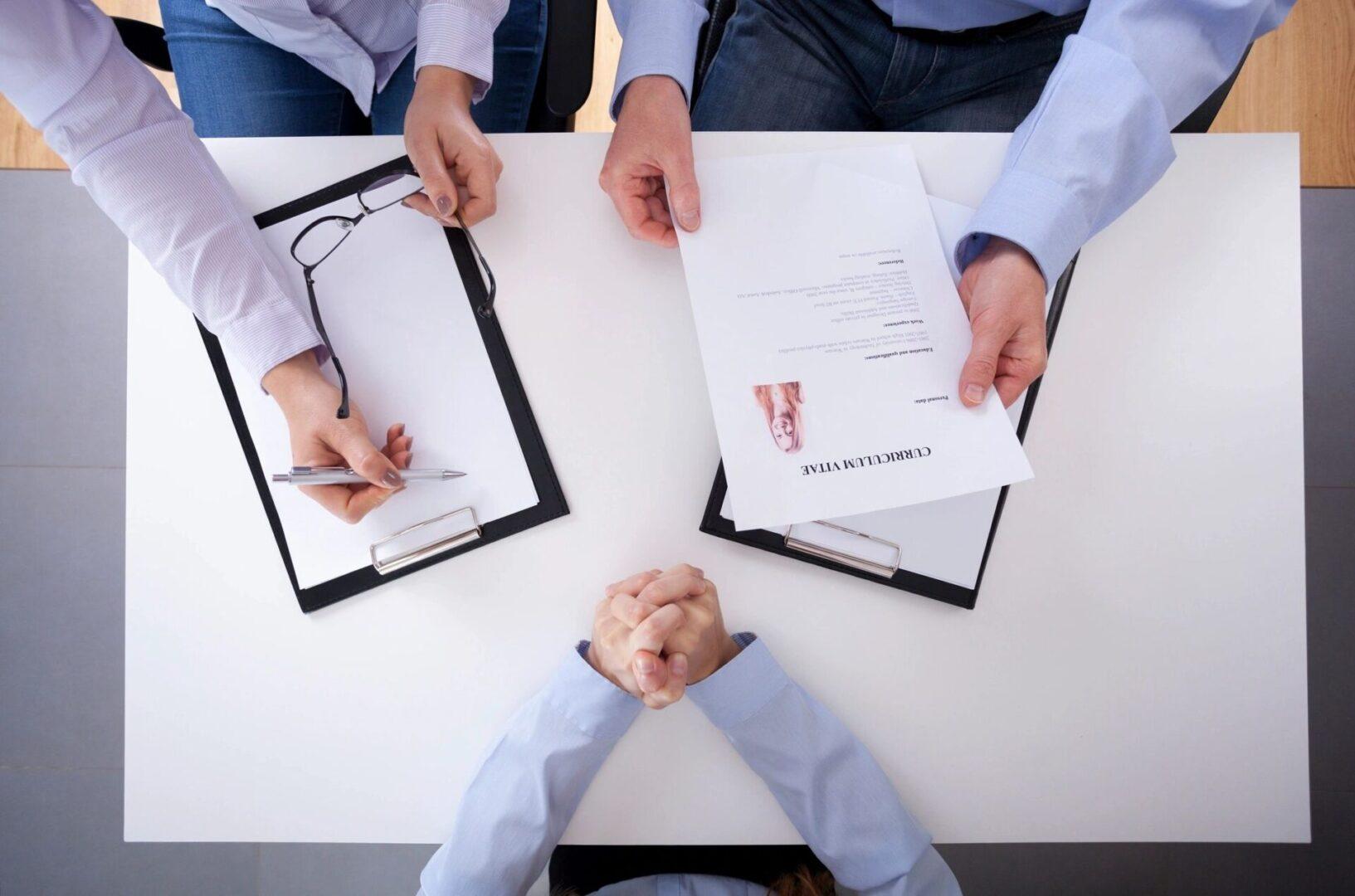 hiring-staff-img