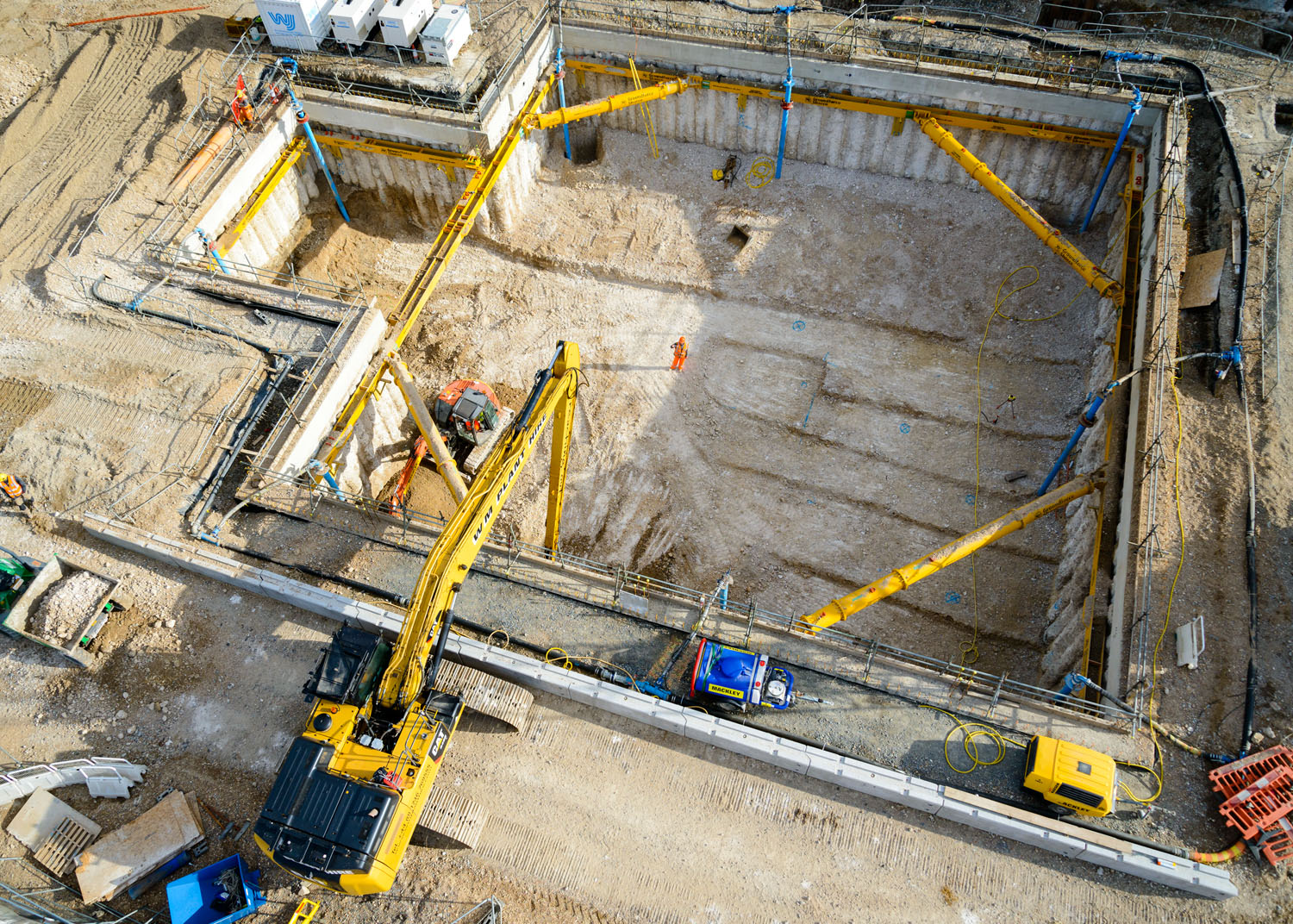 Digging the foundations May 2015. Brighton i360 by Marks Barfield Architects.