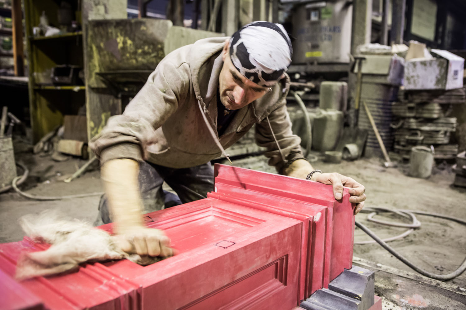 Preparing moulds for casting. Brighton i360 by Marks Barfield Architects.