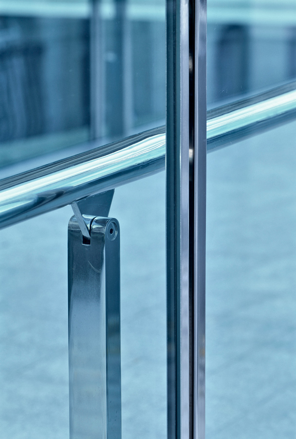 glass balustrade detail - County Hall Bridge by marks Barfield Architects