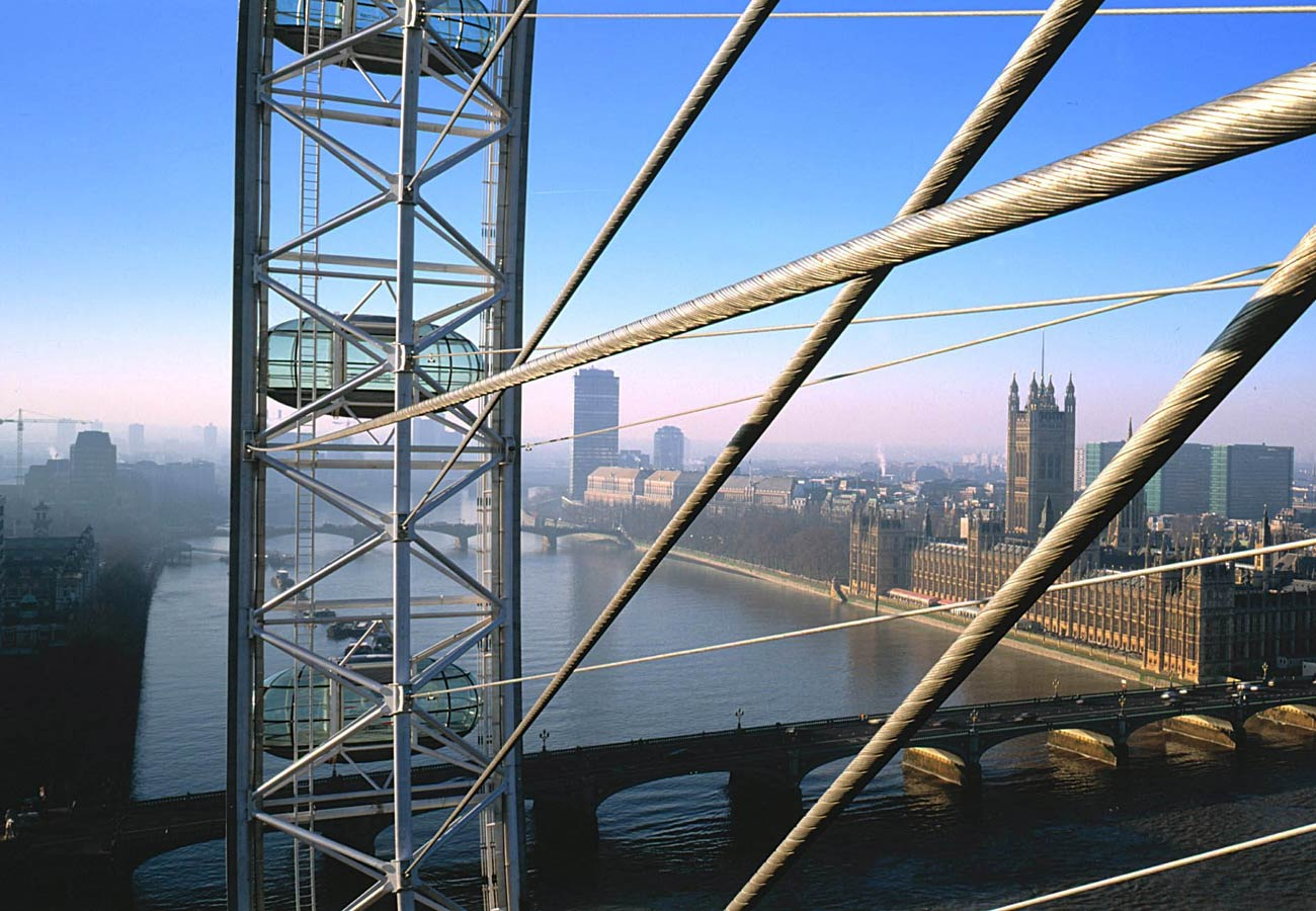 Close view from the hub towards Westminster. The London Eye by Marks Barfield Architects