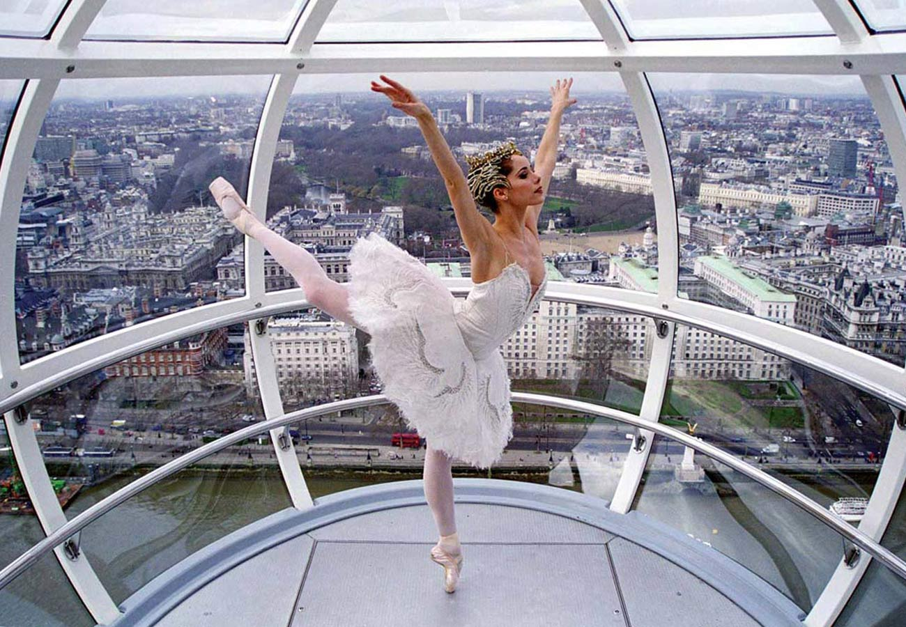 A ballet dancer in the capsule - The London Eye by Marks Barfield Architects