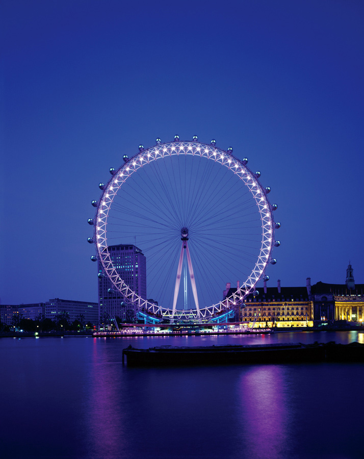 From Victoria Embankment at dusk. The London Eye by Marks Barfield Architects