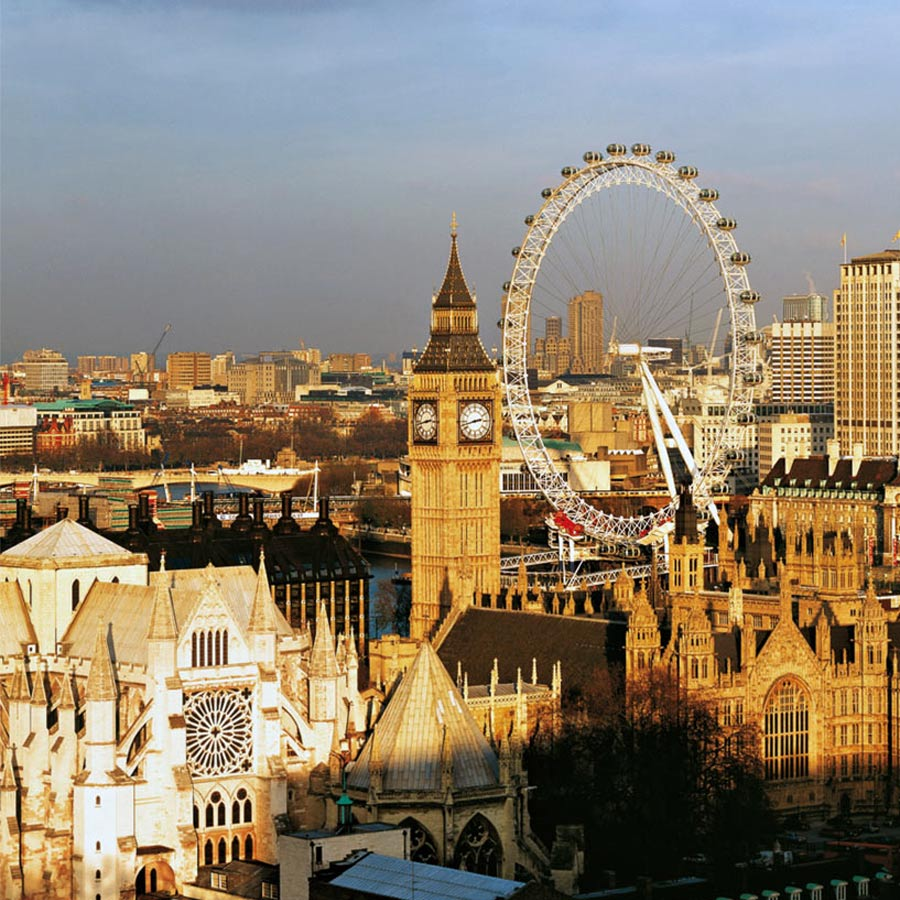 The Westminster Abbey, the Big Ben and The London Eye. The London Eye by Marks Barfield Architects