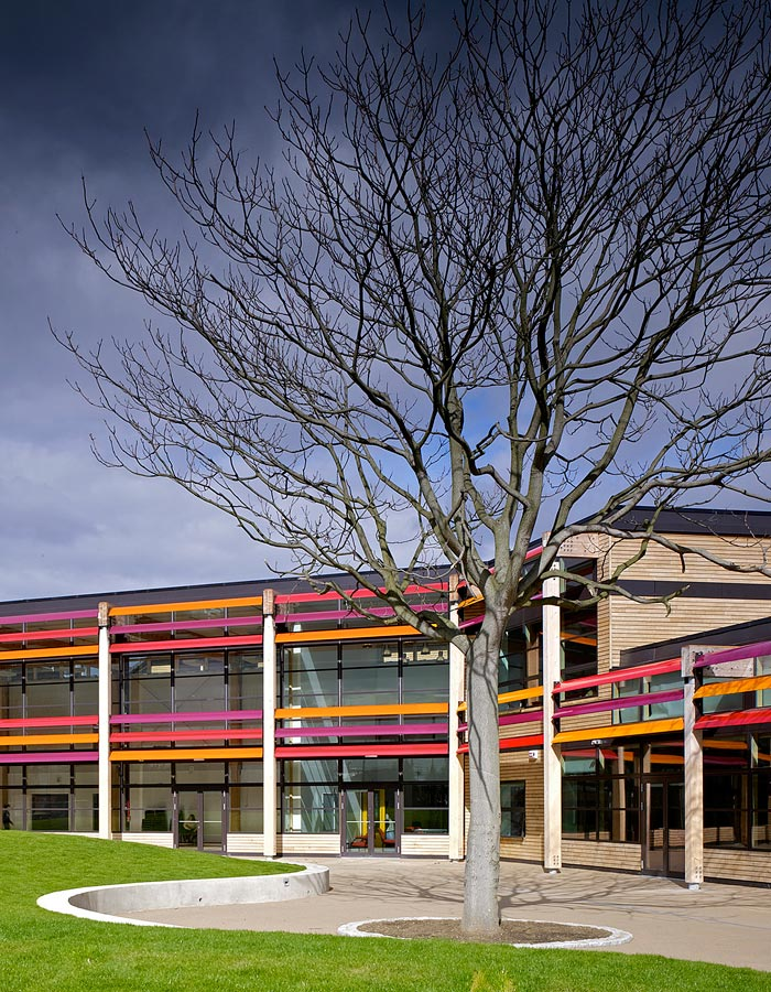 courtyard - Michael Tippett School by Marks Barfield Architects
