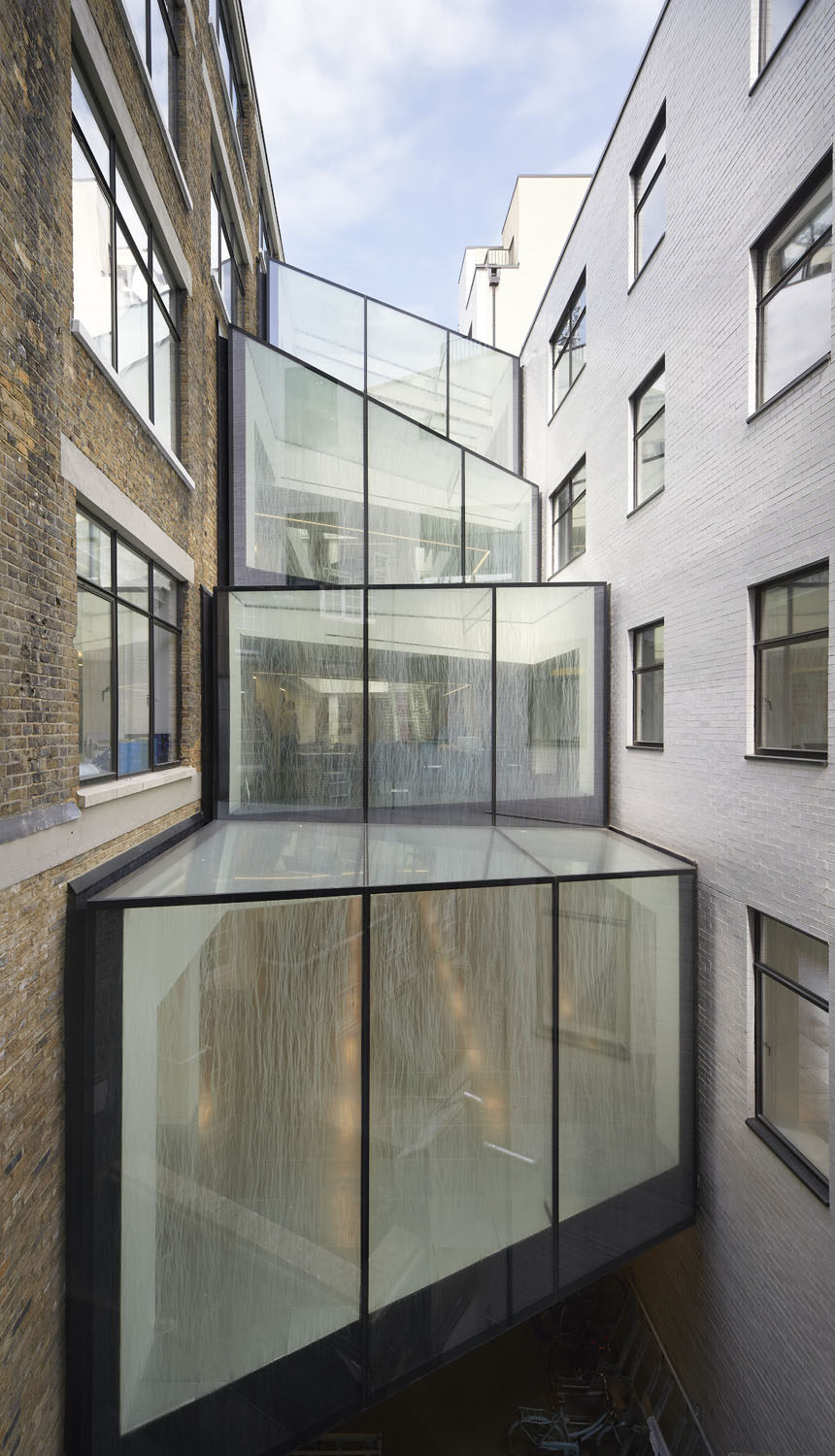 glazed atrium external view - 82 Baker Street by Marks Barfield Architects