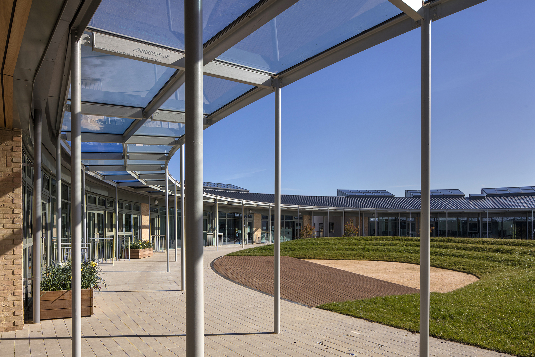 courtyard - University of Cambridge Primary School by Marks Barfield Architects