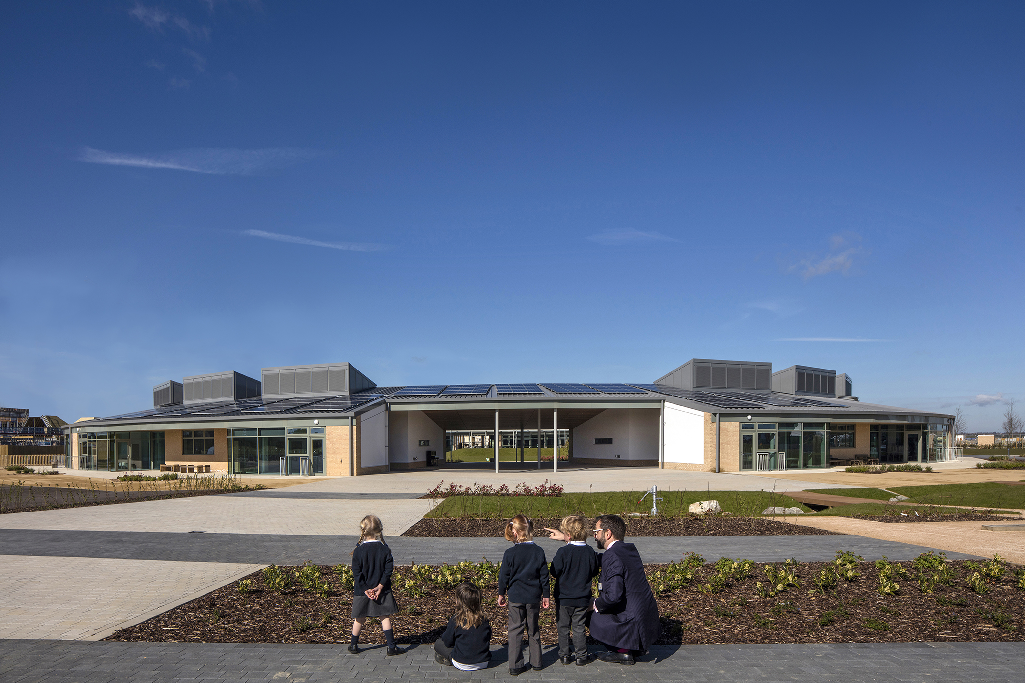 planting - University of Cambridge Primary School by Marks Barfield Architects