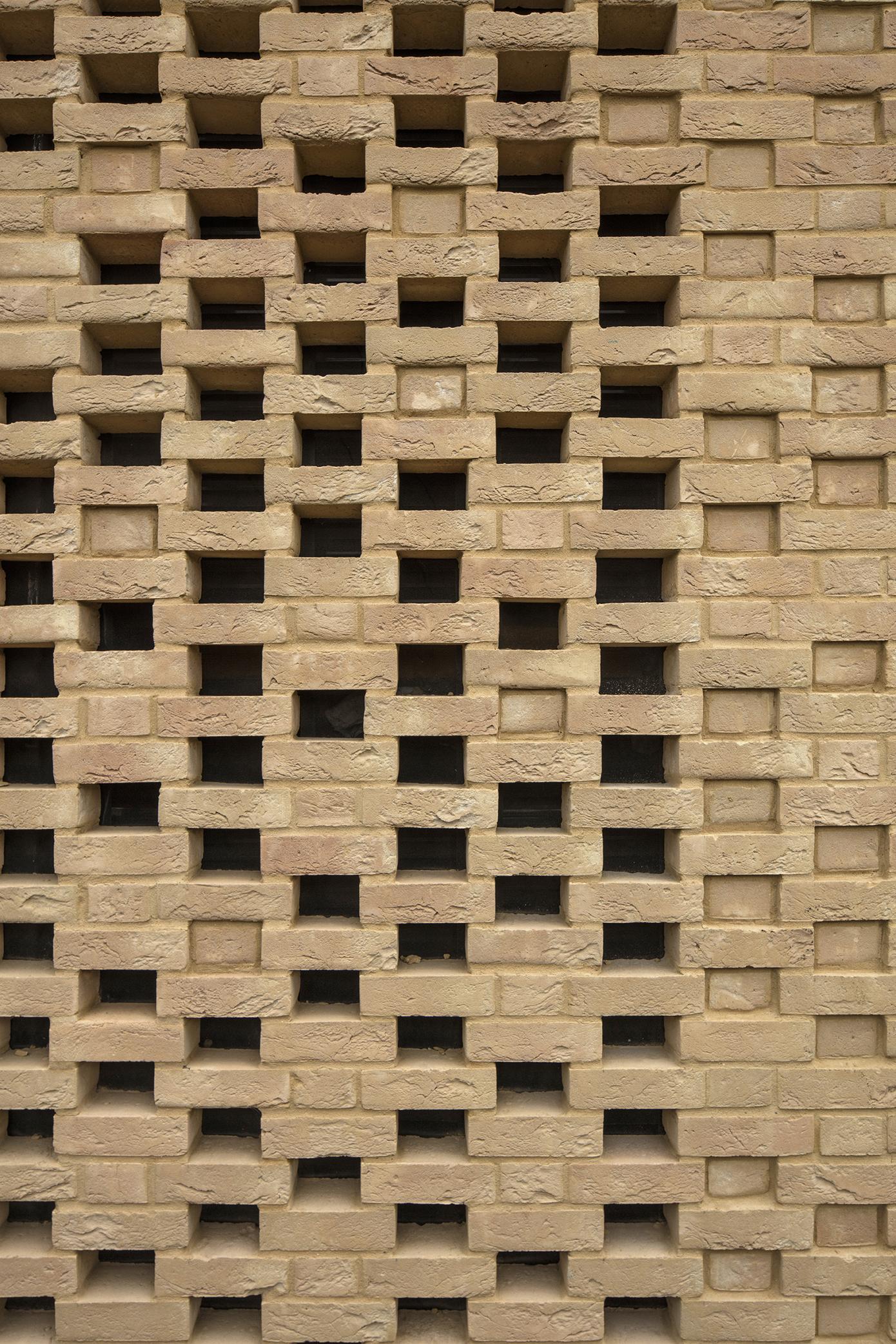 brickwork - University of Cambridge Primary School by Marks Barfield Architects
