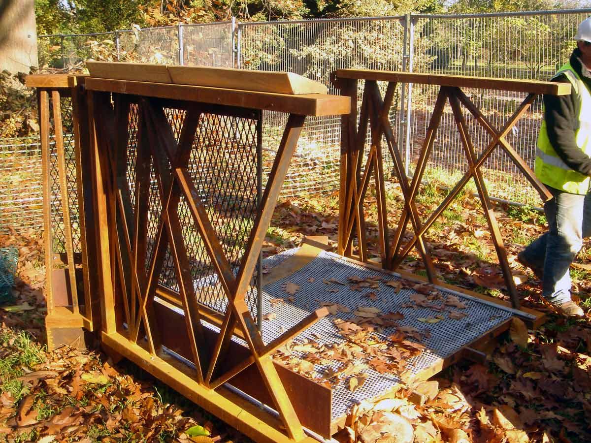 balustrade mockup - Kew Gardens Treetop Walkway by Marks Barfield Architects