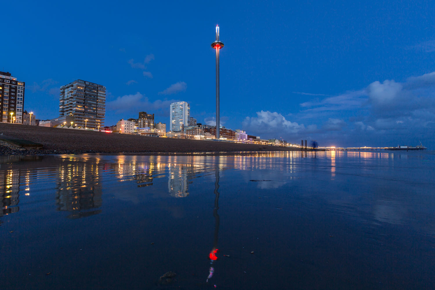 Brighton i360, Marks Barfield Architects