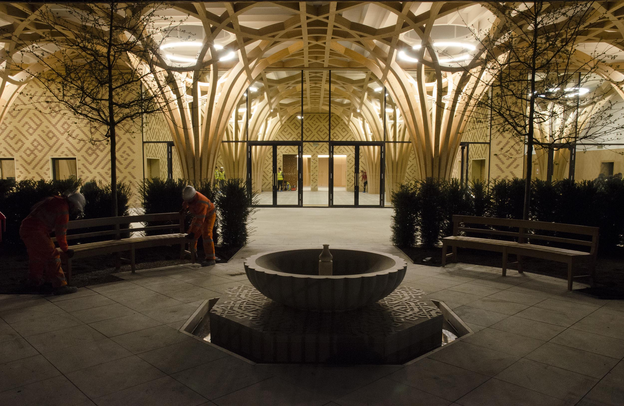 Cambridge Mosque - Fountain garden at night - by Marks Barfield Architects, photo by Julia C. Johnson