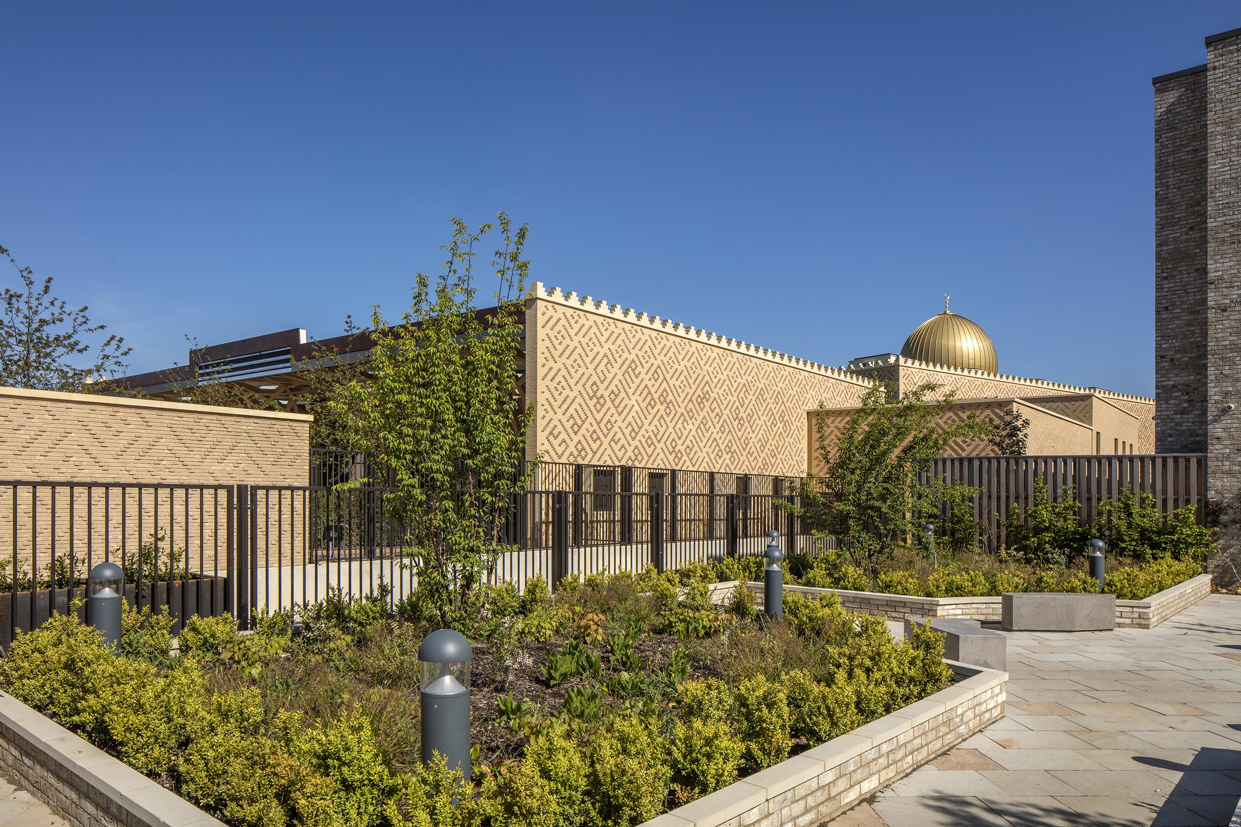 Cambridge Mosque View from street by Marks Barfield architects, photography by Morley von Sternberg