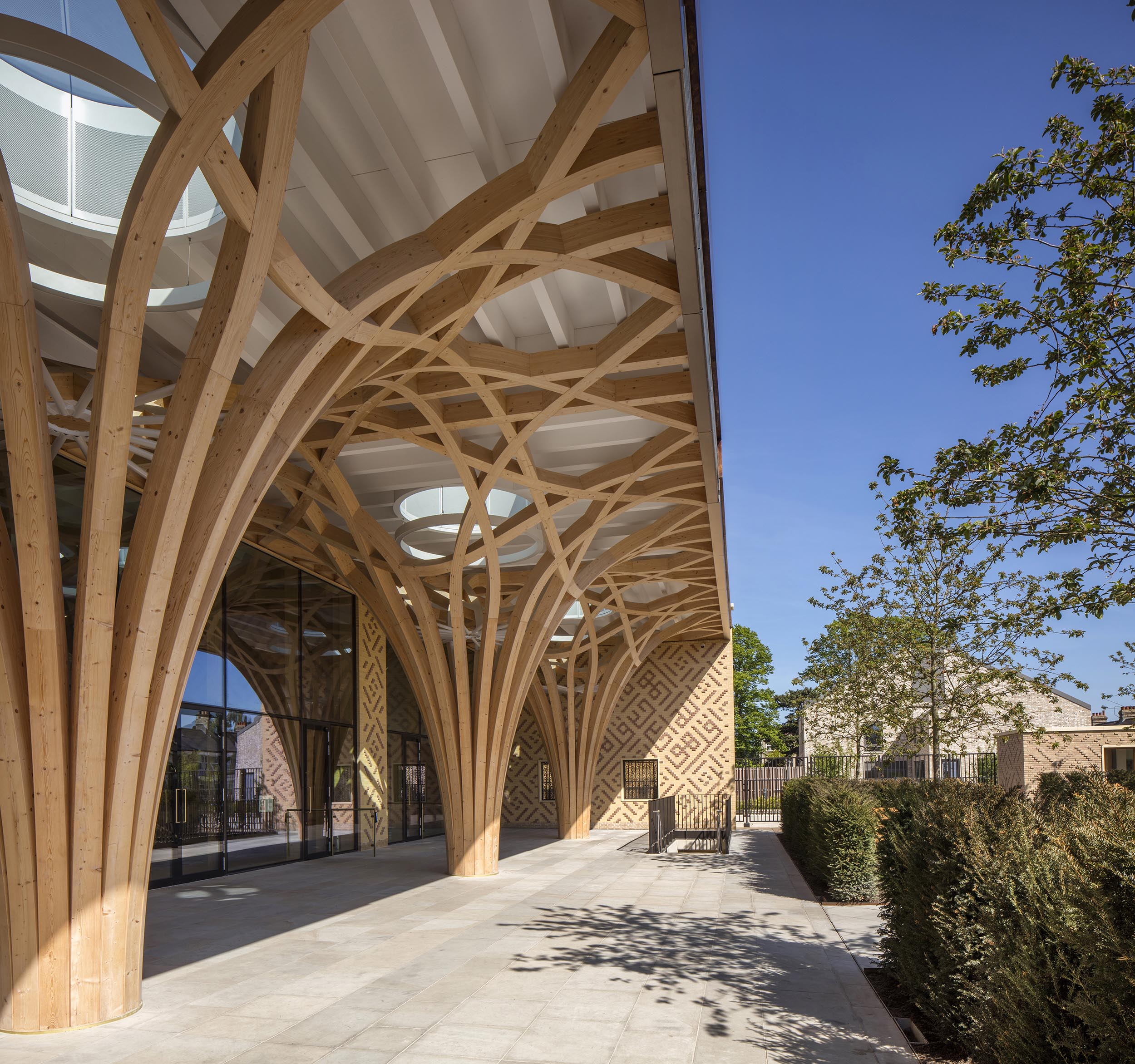 Cambridge Mosque Portico by Marks Barfield Architects, photography Morley von Sternberg