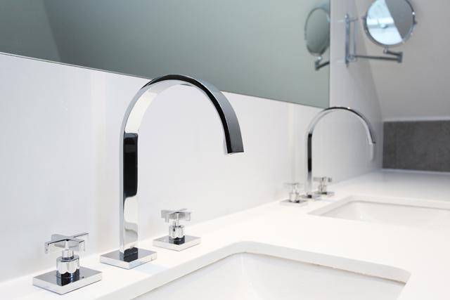 Sink & Taps low