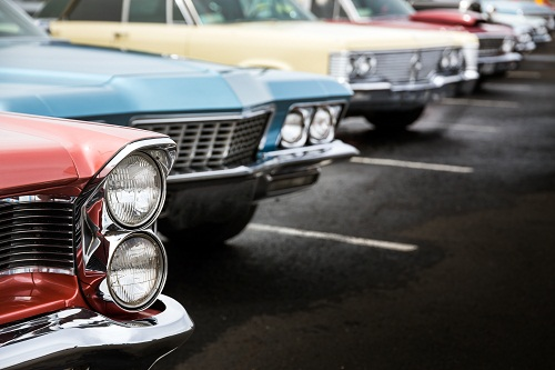 Parking voiture ancienne