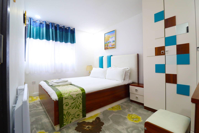 1 large bedroom 3