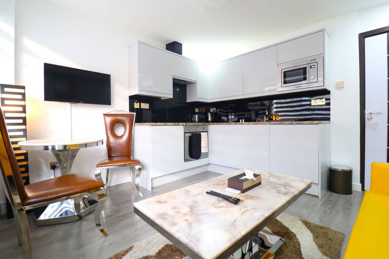 1 small bedroom 5