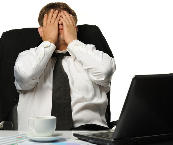 30 Social Media networking blunders will derail your job search.