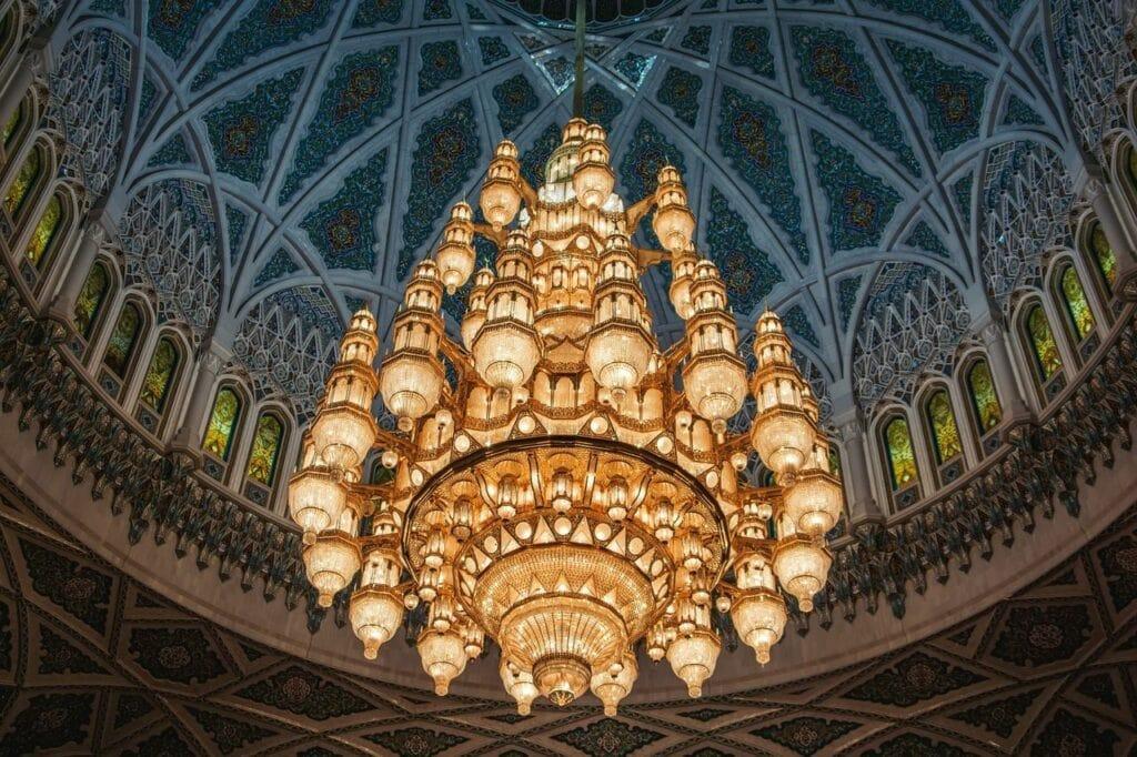 kronleuchter sultan qabus moschee