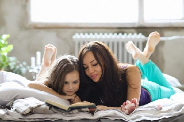 benefits of reading bedtime stories to babies