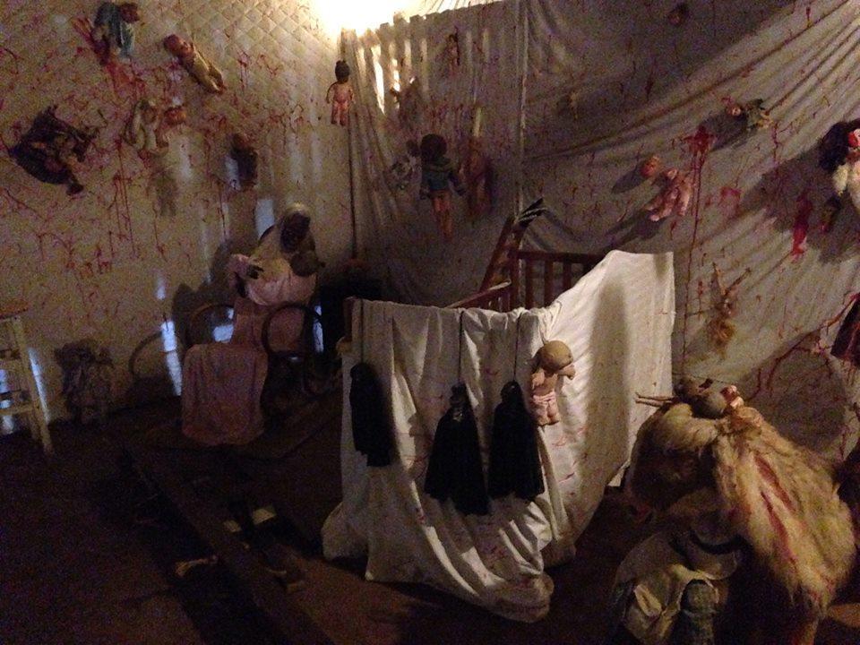 haunted-chicken-house-de_15706