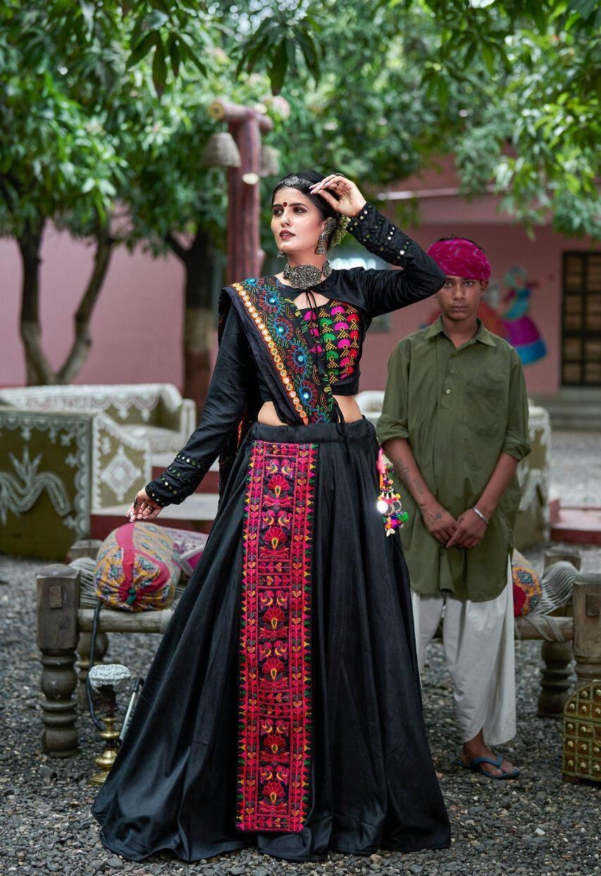 Latest Designer Navratri Chaniya Choli Design