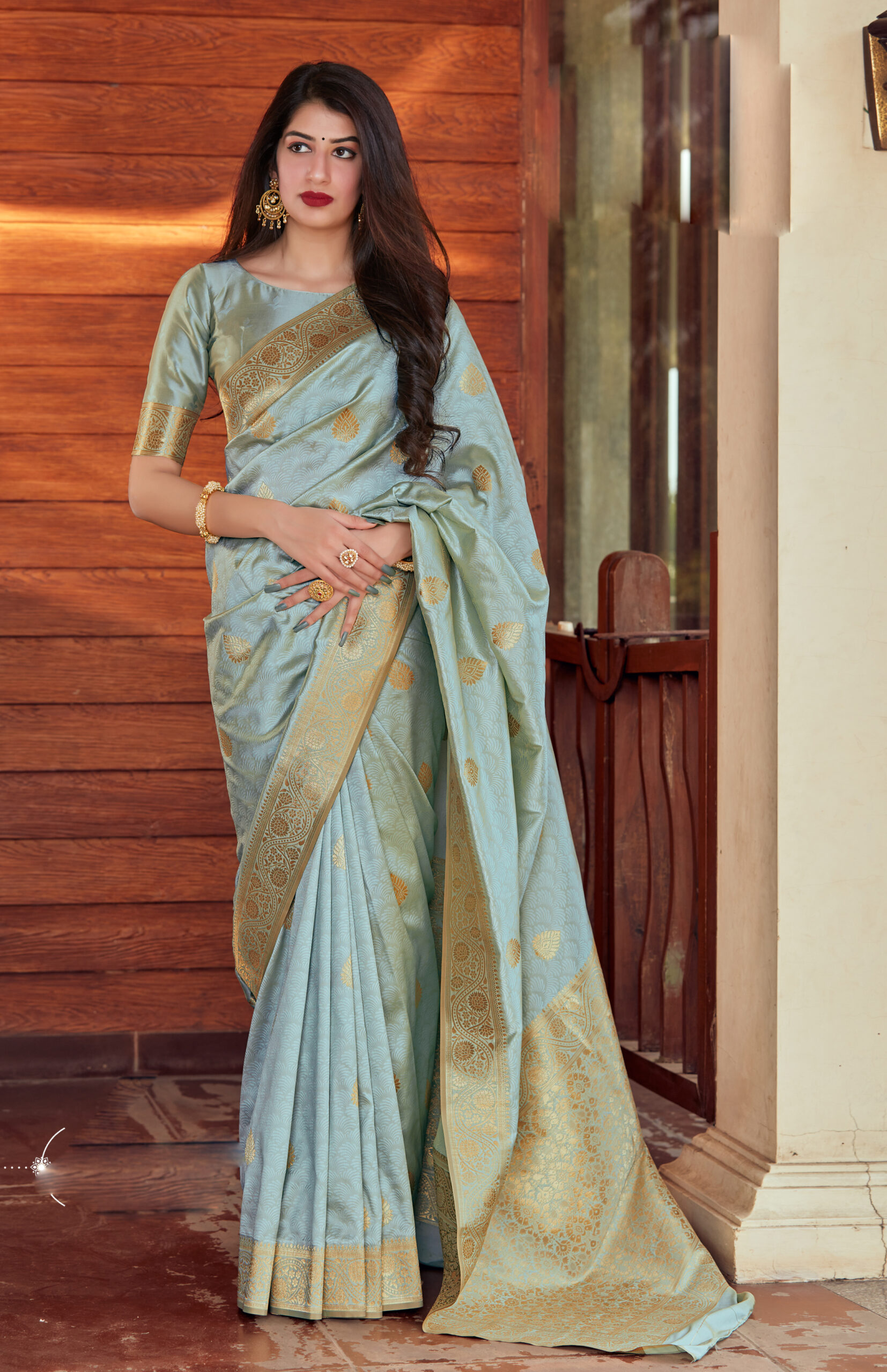 Best Traditional Orchid Color Latest Blouse Designs For Silk Saree