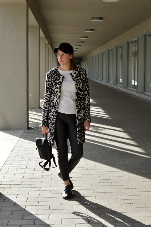 Free coatigan pattern Alette by Sewionista Patterns ... Sewionista.com ... Sewing ... Slow Fashion ... DIY