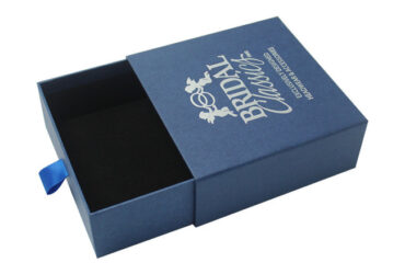 Customize Custom boxes with logo according to your wish