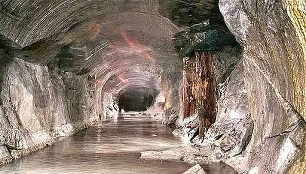 base sotterranea Monte Bucegi