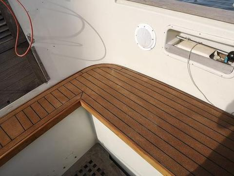 EC-deck composite cork decking
