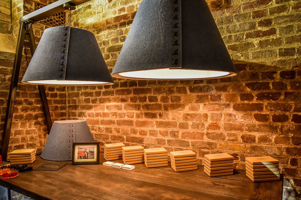 Acoustic lighting solutions for desks, offices or spaces. PET lighting, eco-friendly and acoustic, suspended over desk