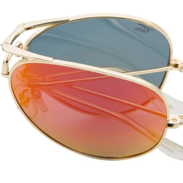 Red aviator sunglasses with a gold frame. Sunglasses fold and come with a carry case. UV 400 protection.
