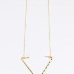 necklace_openarrow_gold2