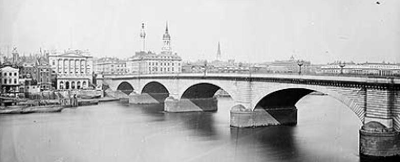 london-bridge-vintage