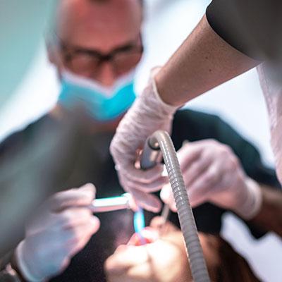 Dentista Vilanova. Periodoncia. Doctor Alcubierre.