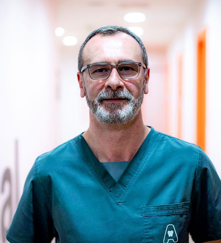 Dr. EUGENIO PIQUERAS