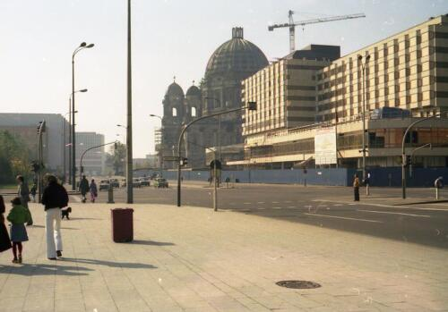 1978 Berlin - Palast hotel being built