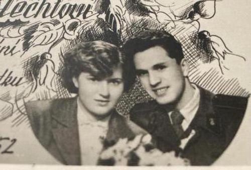 Grandparent s-wedding-announcement-closeup