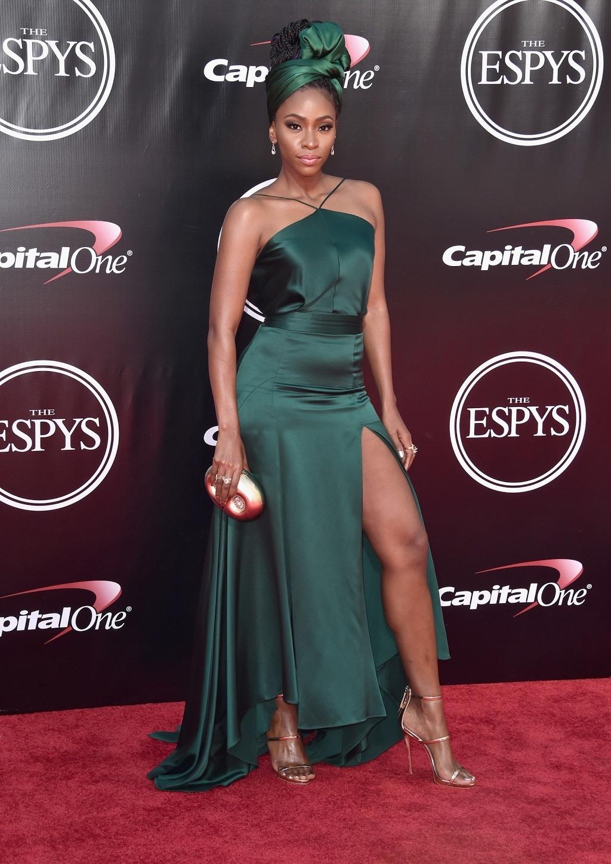 Teyonah Parris serving us some major skin on the red carpet