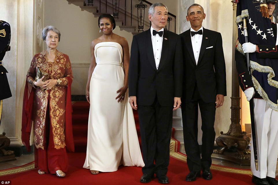 MICHELLE OBAMA wears Brandon Maxwell for white house state dinner