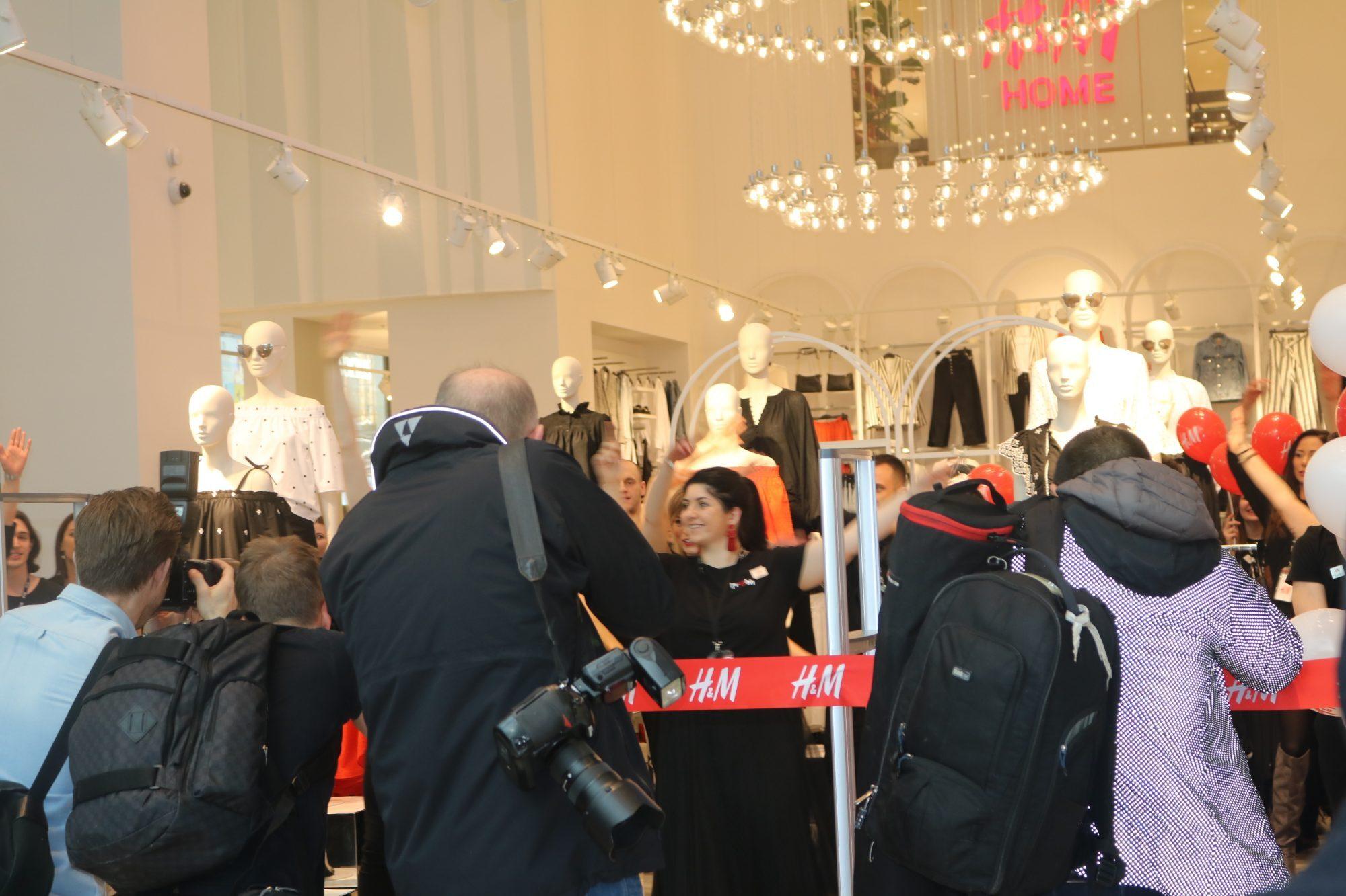 H&M Free Vouchers W12 Shopping Center