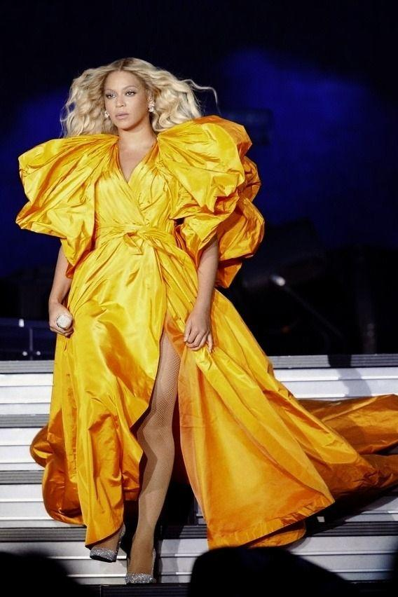 Beyonce in Valentino Dress