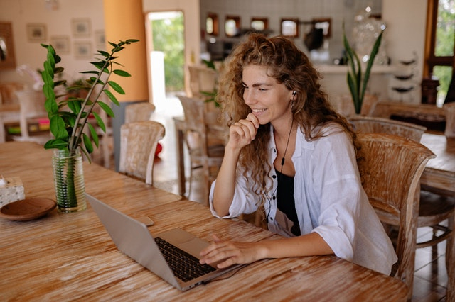Read more about the article How to Hire a Freelancer or Agency