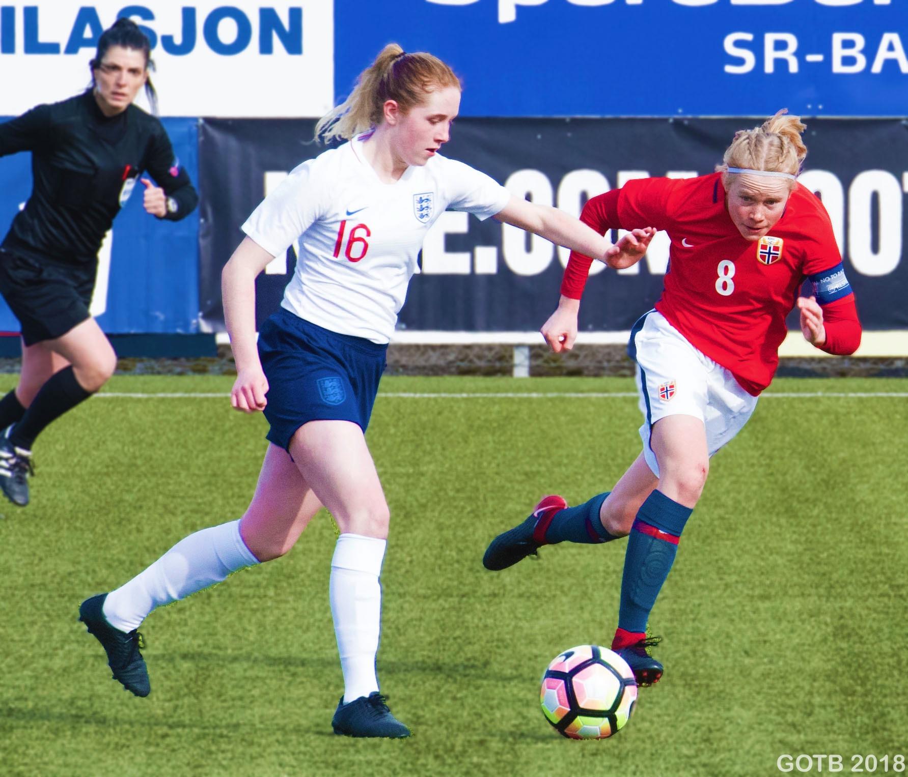 Missy Bo Kearns, England U17s