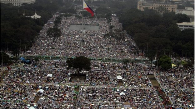 Why did 6 million people attend the Pope Francis ceremony in the Philippines ?