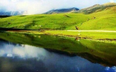 Trek to Roopkund| Valley of Flowers| Sandakphu and more places..