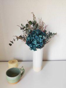 Ramo de hortensias y eucaliptos