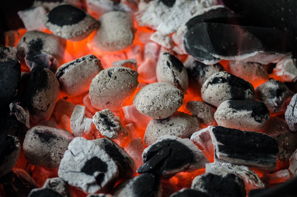 How Long Will a Charcoal Grill Stay Hot?